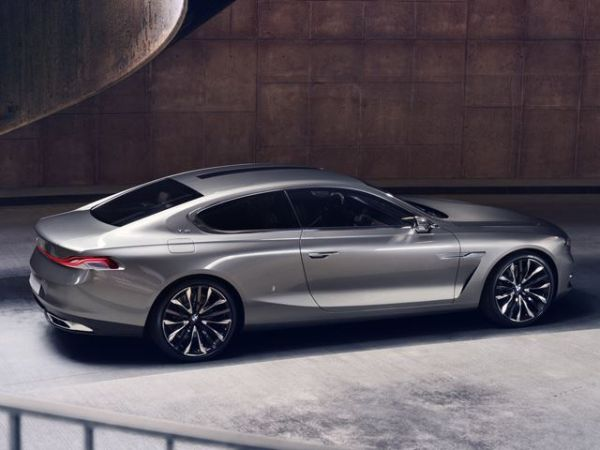 BMW 5 Series Coupe 2016 -  Side View