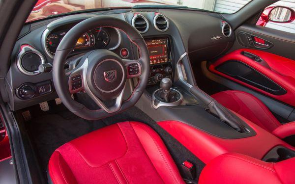 2015 - Dodge Viper Interior