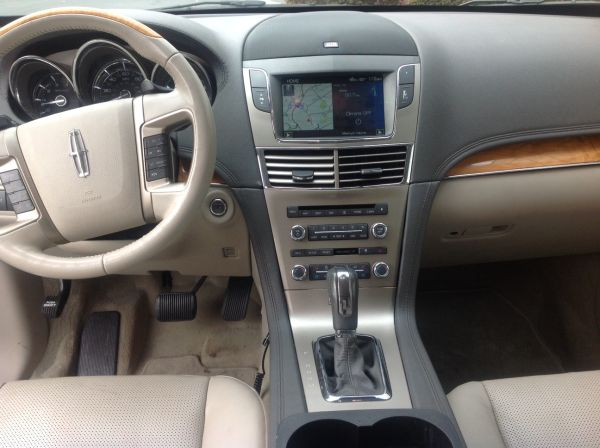 2015 - Lincoln MKT Limousine Interior