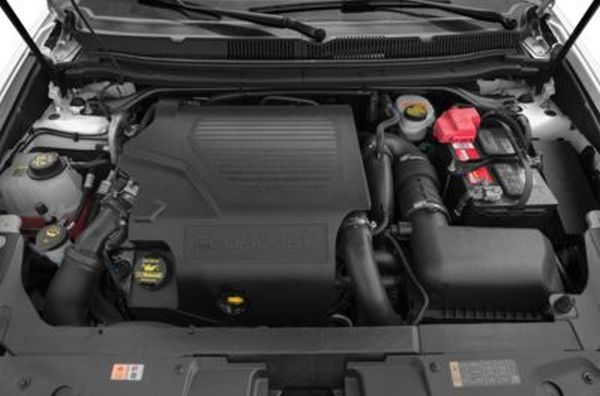 2015 Lincoln MKT Limousine Engine