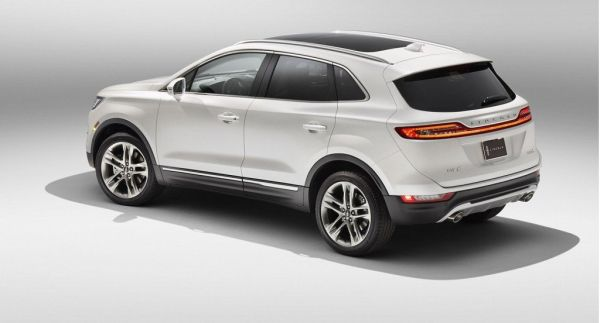 2015 Lincoln MKC - Side and Rear View