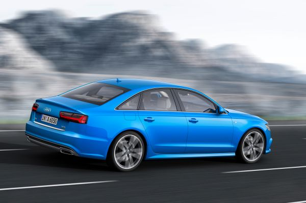Audi S6 2016  - Side and Rear View