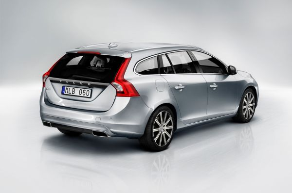 2015 Volvo V60 Wagon Rear and Side View