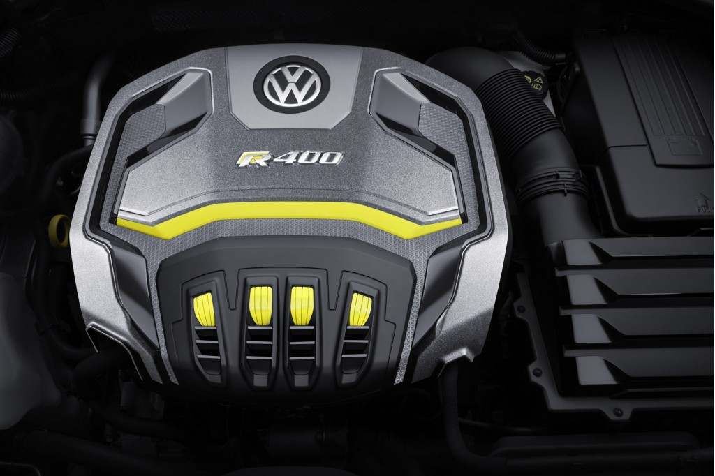 2015 VW Golf R Variant-engiine