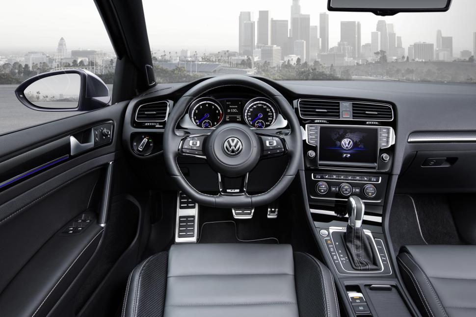 2015 VW Golf R Variant-interior