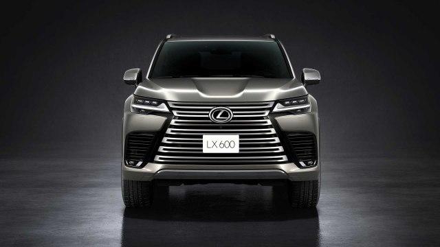 2022 Lexus LX 600 front view