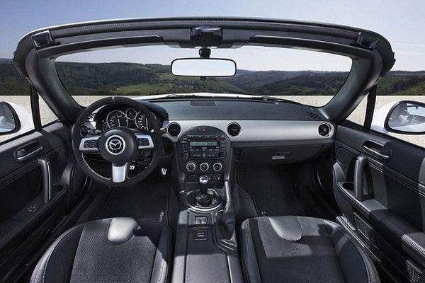 Mazda Miata MX-5 2015 - Interior