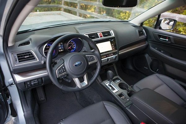Subaru Legacy 2016 - Interior